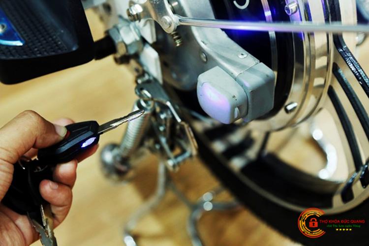 Đức Quang nhận làm chìa khóa xe đạp điện giá rẻ nhất tại Việt Trì