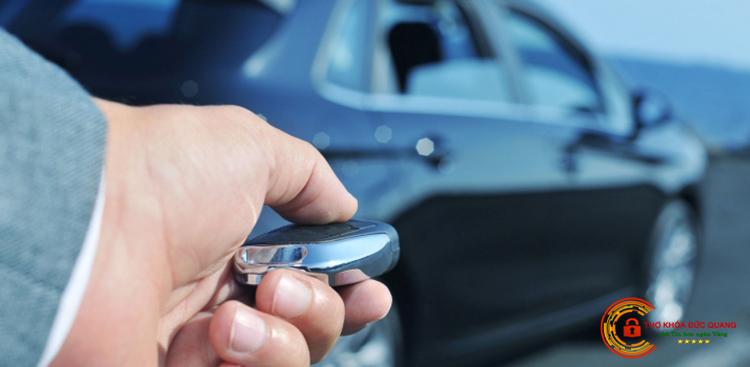 Dịch vụ làm chìa khóa, mở khóa xe hơi tại nhà quận Hoàn Kiếm