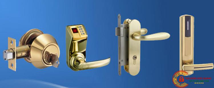 Lắp đặt, thay ỏ khóa cửa gỗ tại nhà