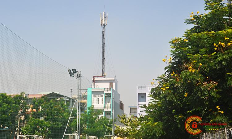 Nhiễu sóng khi ở gần thiết bị điện tử, trạm thu phát sóng, khu vực quân sự