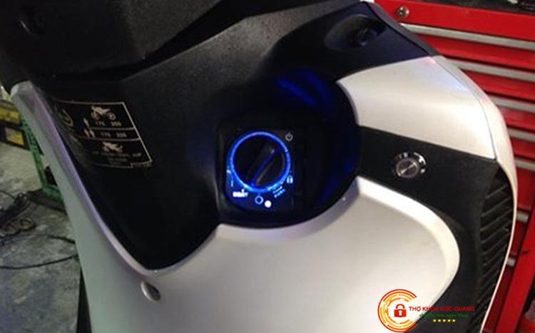 Thay mới, độ ổ khóa Smartkey cho xe máy Honda SH