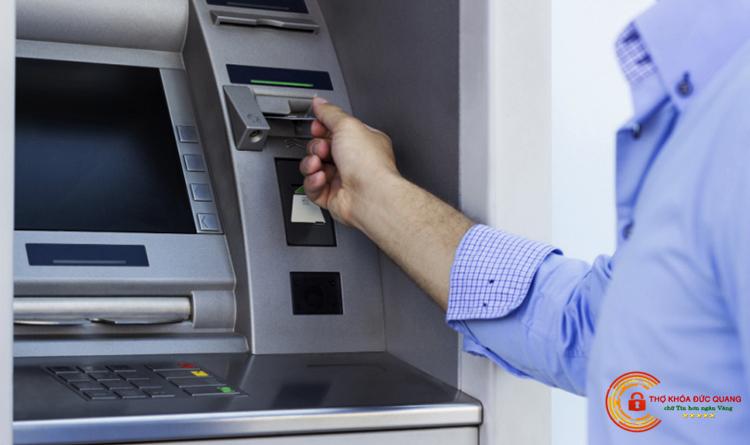 Sửa khóa két sắt thùng đựng tiền ATM