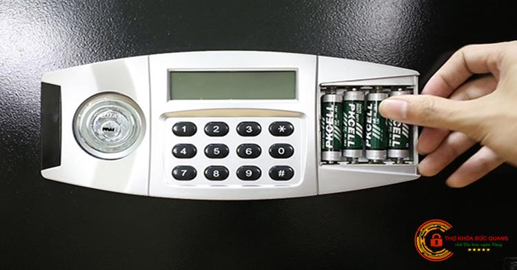 Ổ khóa két sắt điện tử có màn hình hiển thị LCD