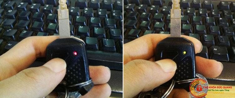 Bật lại chế độ còi báo trên remote xe máy