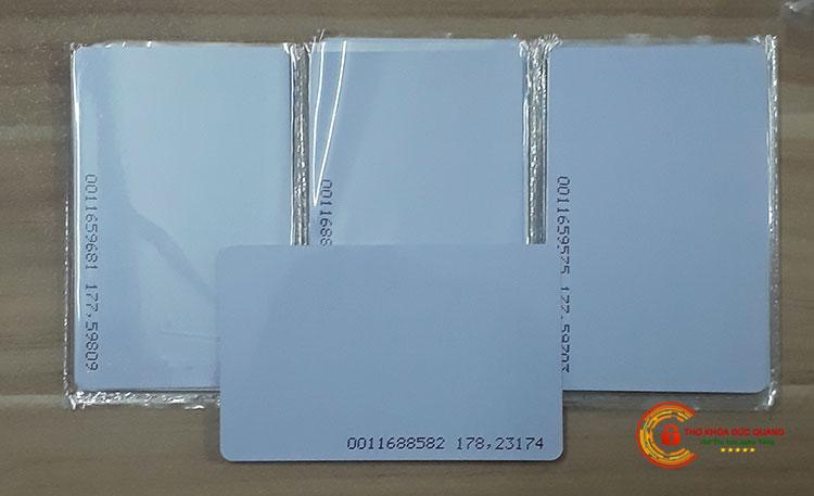 Thẻ RFID (thẻ RF)