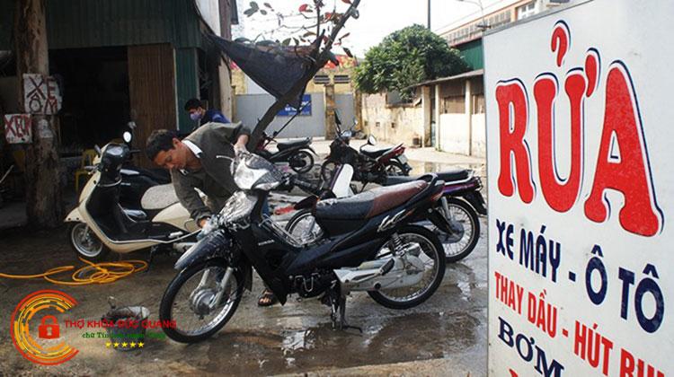 Thường xuyên vệ sinh xe máy sạch sẽ