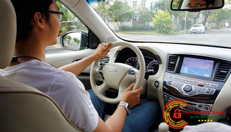 Mơ thấy mình lái xe ô tô