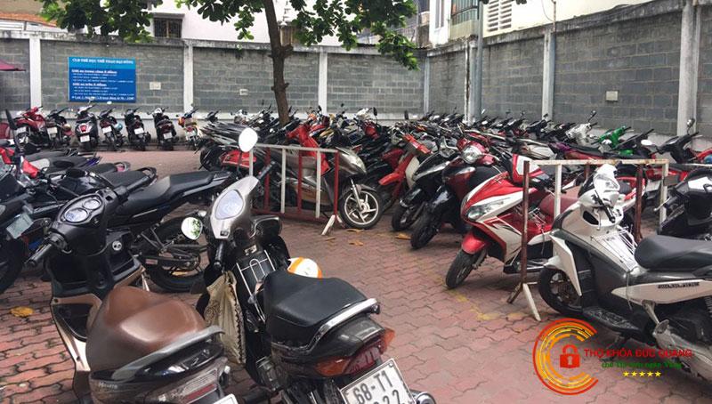 Nằm mơ thấy mất xe máy ở trường học là điềm báo gì?