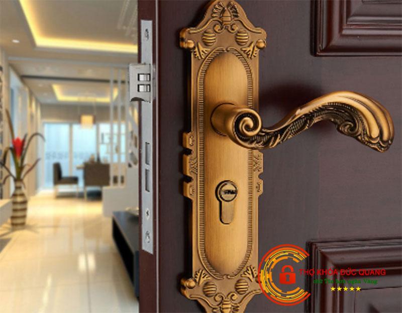 Mẫu ổ khóa cửa gỗ đẹp